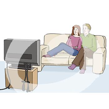 Paar-vor-dem-Fernseher-790.png